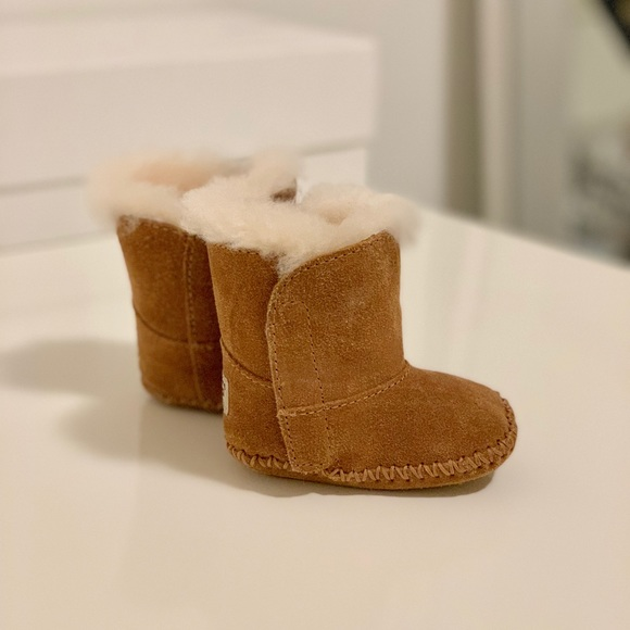 88161bb9539 Baby Ugg Boots Size 0/1 Chestnut